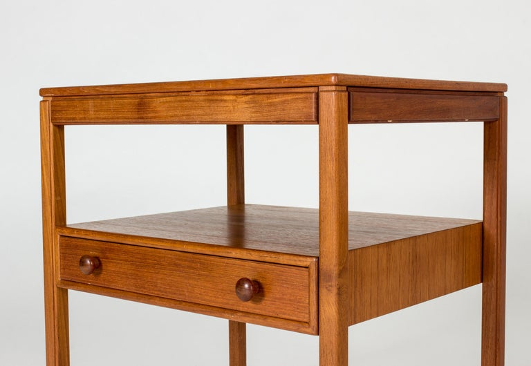 Pair of Midcentury Teak Bedside Tables by Sven Engström & Gunnar Myrstrand In Good Condition For Sale In Stockholm, SE