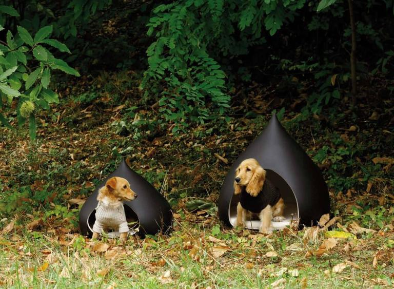 Italian Castagna Ceramic Medium Kennel Designed by Italo Bosa For Sale