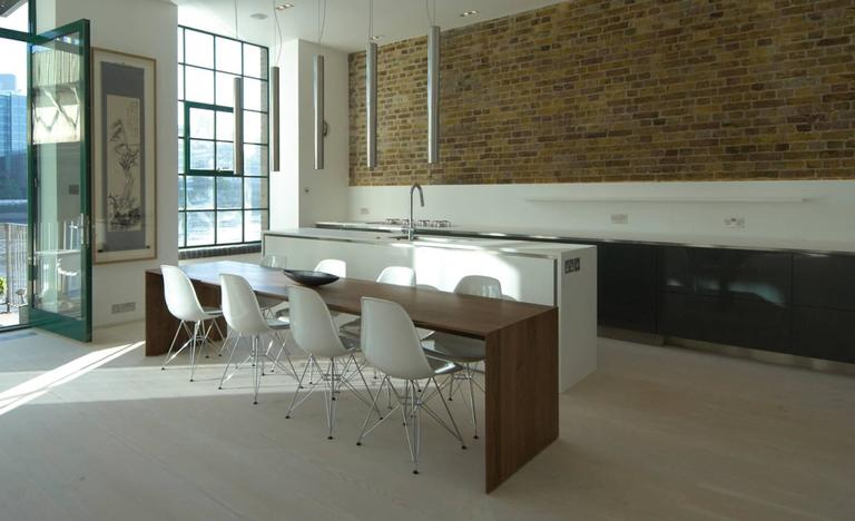 """""""C"""" Dining Table by Chiara Ferrari For Sale 2"""