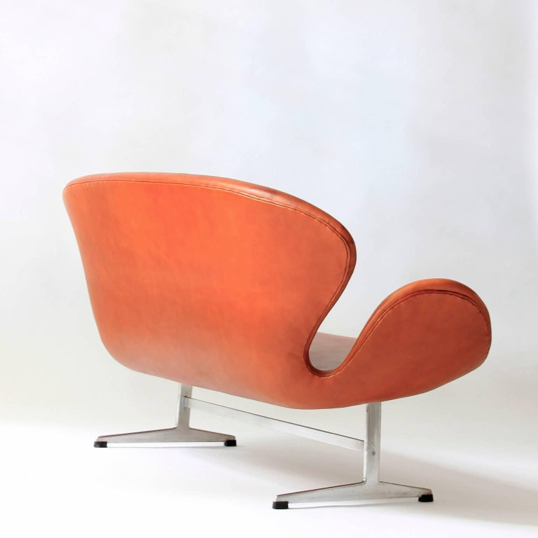 Arne jacobsen swan sofa for sale at 1stdibs - Fauteuil swan arne jacobsen ...
