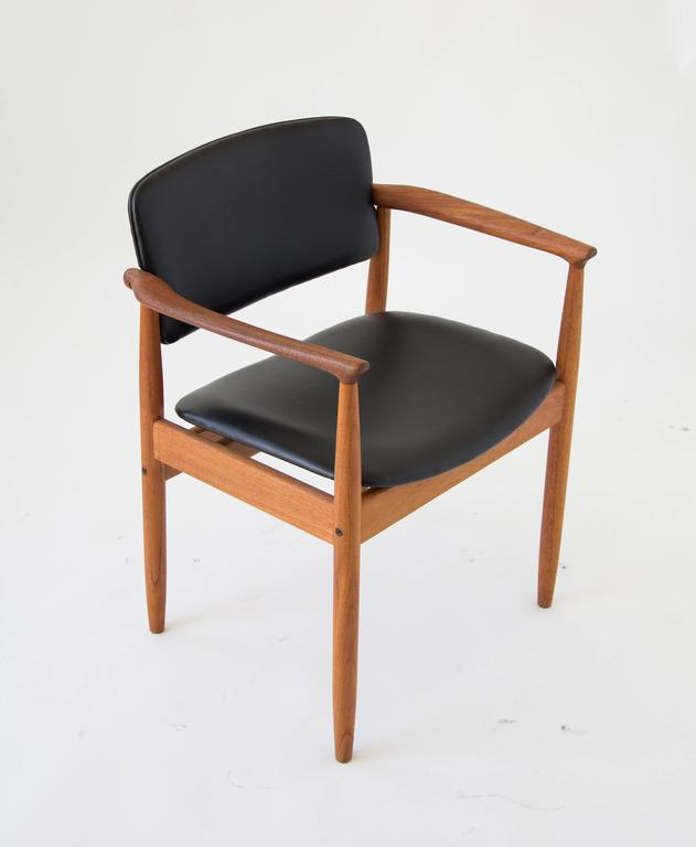 Single fars stolefabrik danish armchairs in teak and for Single lounge chairs for sale