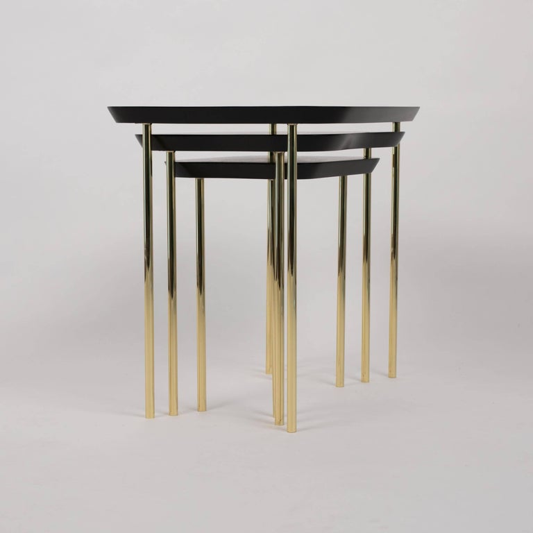 Mid-Century Modern Charak Modern Set of Three Nesting Tables in Lacquered Mahogany and Brass For Sale