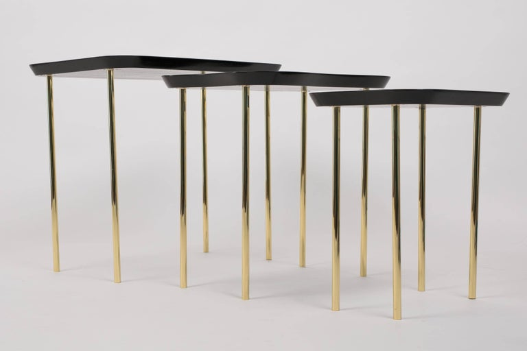 American Charak Modern Set of Three Nesting Tables in Lacquered Mahogany and Brass For Sale