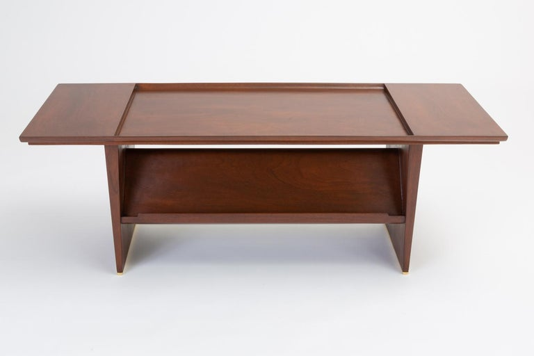 Coffee Table With Display Shelf By Edward Wormley For Dunbar In Excellent Condition