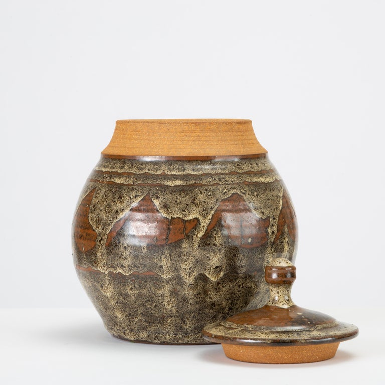 20th Century California Modern Studio Pottery Jar with Abstract Pattern by Don Jennings For Sale