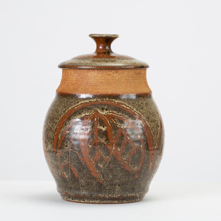 California Modern Studio Pottery Urn with Leaf Pattern by Don Jennings In Good Condition For Sale In Los Angeles, CA