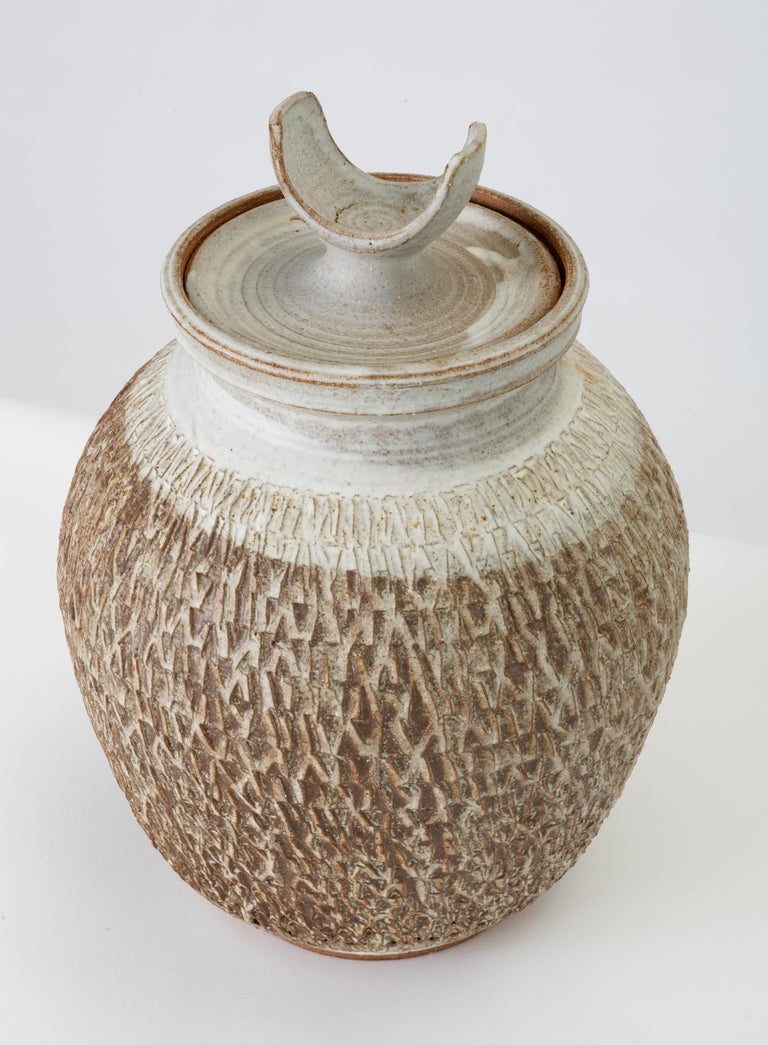 California Modern Textured Studio Pottery Vessel with Lid by Don Jennings In Good Condition For Sale In Los Angeles, CA