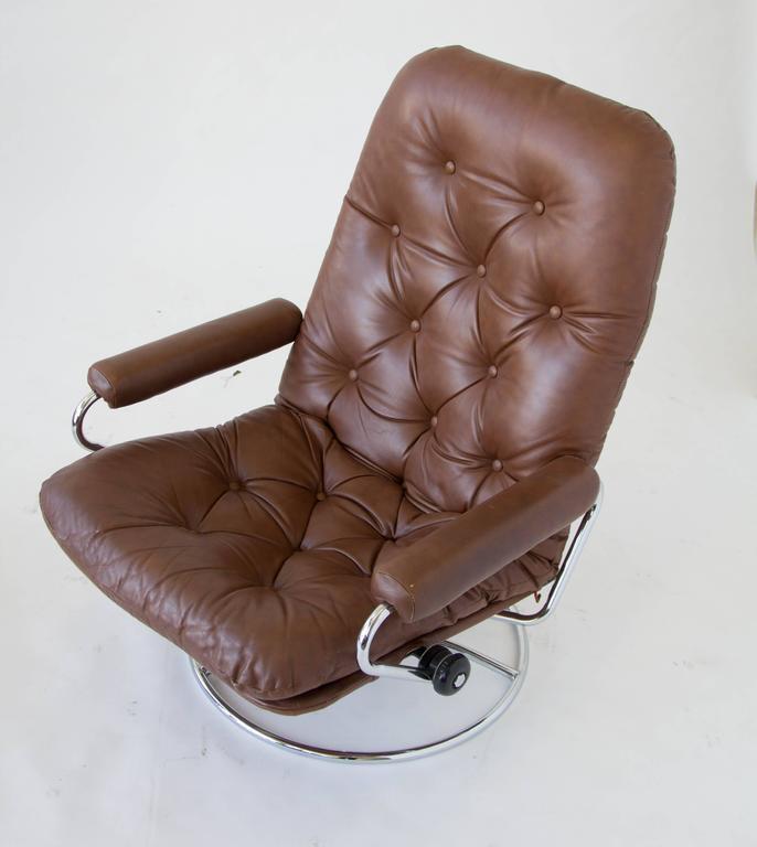 Scandinavian Modern Ekornes Stressless Chair And Ottoman For Sale