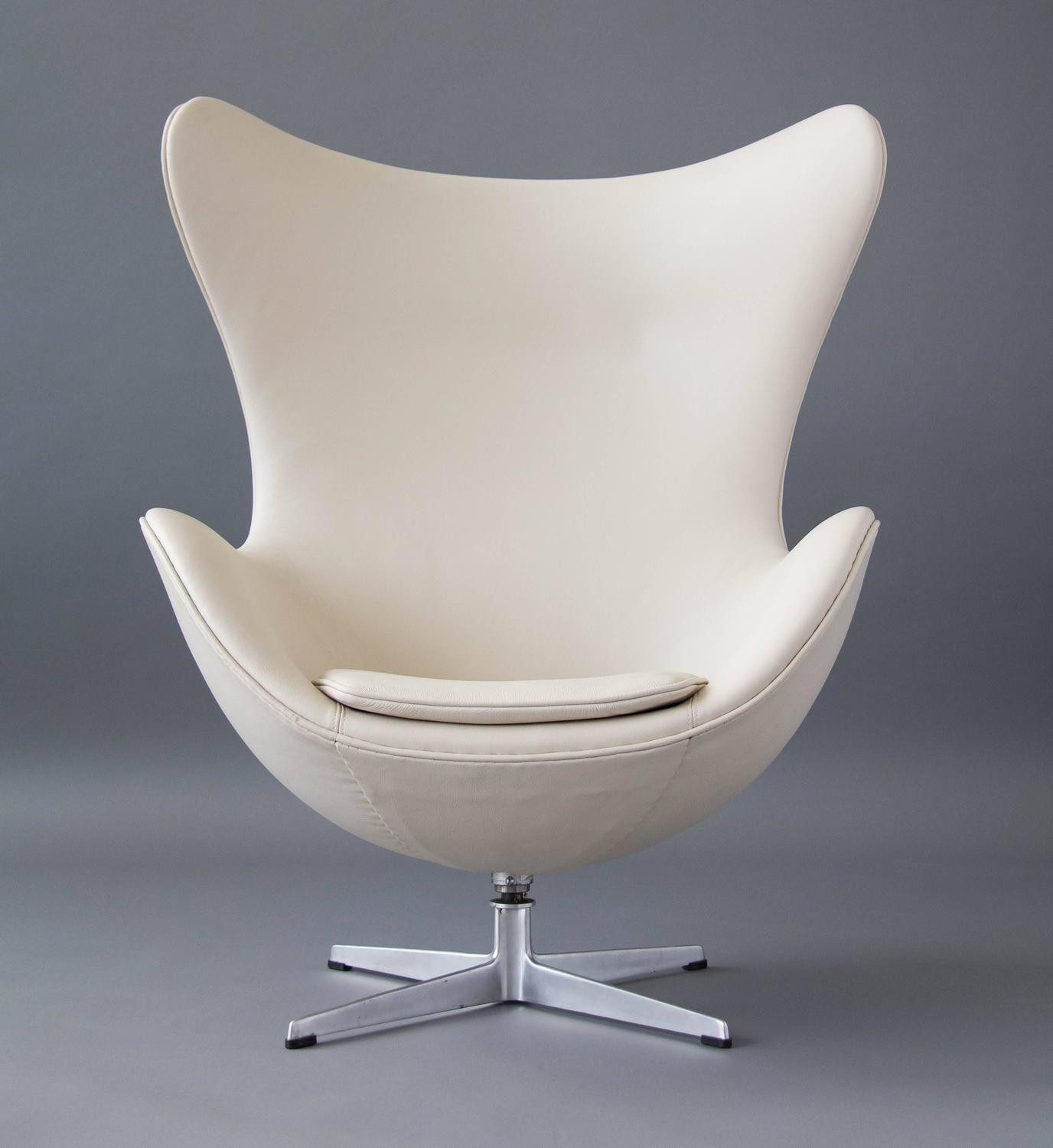 Egg Chair With Ottoman By Arne Jacobsen For Sale At 1stdibs