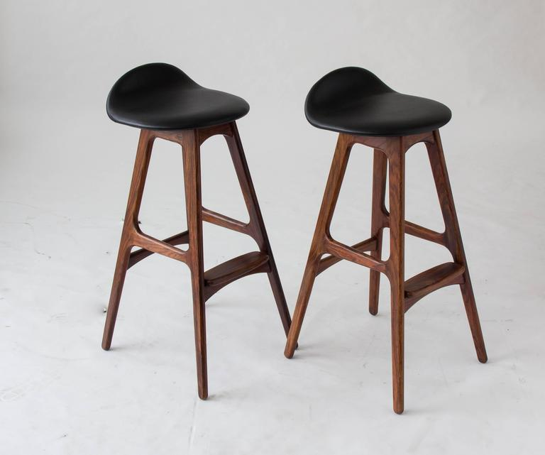 Elegant Modern Brown Bar Stools