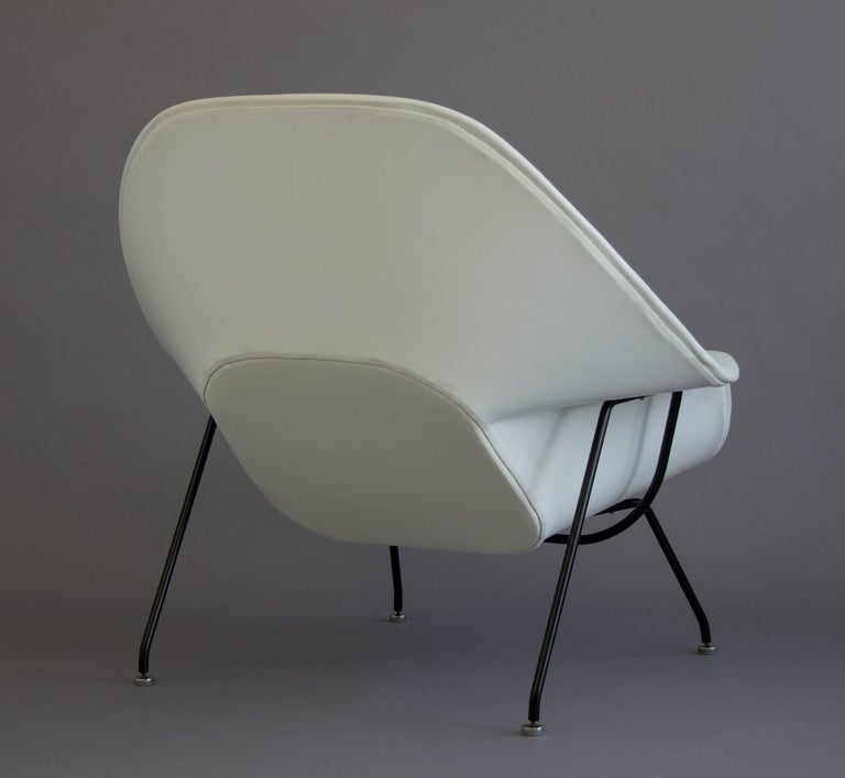 Eero saarinen white womb chair and ottoman for knoll for sale at 1stdibs - Vintage womb chair for sale ...