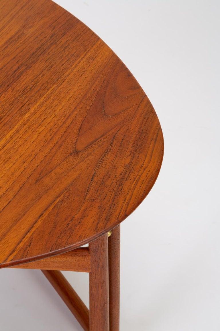 Trilateral Folding Side Table by Peter Hvidt and Orla Mølgaard-Nielsen For Sale 5
