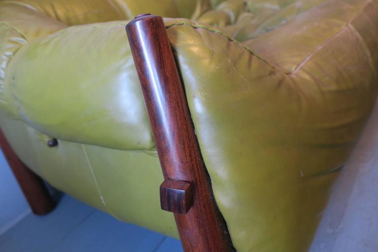 Dreisitzer-Sofa aus Palisanderholz und Leder von Percival Lafer, Brasilien, 1974 4