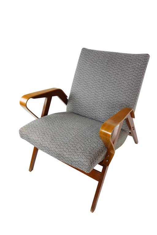 Beech Pair of Bentwood Czech Tatra Nabytok Chairs, circa 1950 For Sale