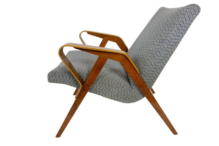 Pair of Bentwood Czech Tatra Nabytok Chairs, circa 1950 For Sale 1