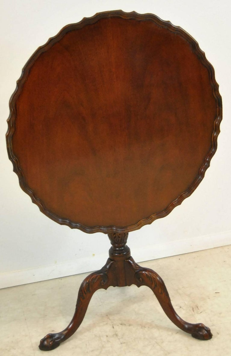 Chippendale Style Mahogany Pie Crust Tilt Top Table By