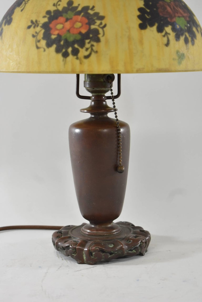 Signed Reverse Painted Boudoir Lamp by Handel with Floral Scene In Excellent Condition For Sale In Toledo, OH