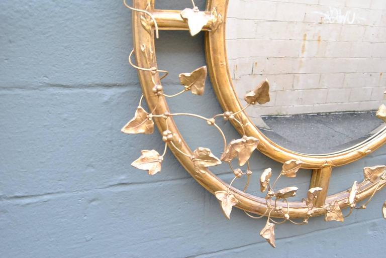 Pair of Giltwood Round Beveled Mirrors by Friedman Brothers In Good Condition For Sale In Toledo, OH