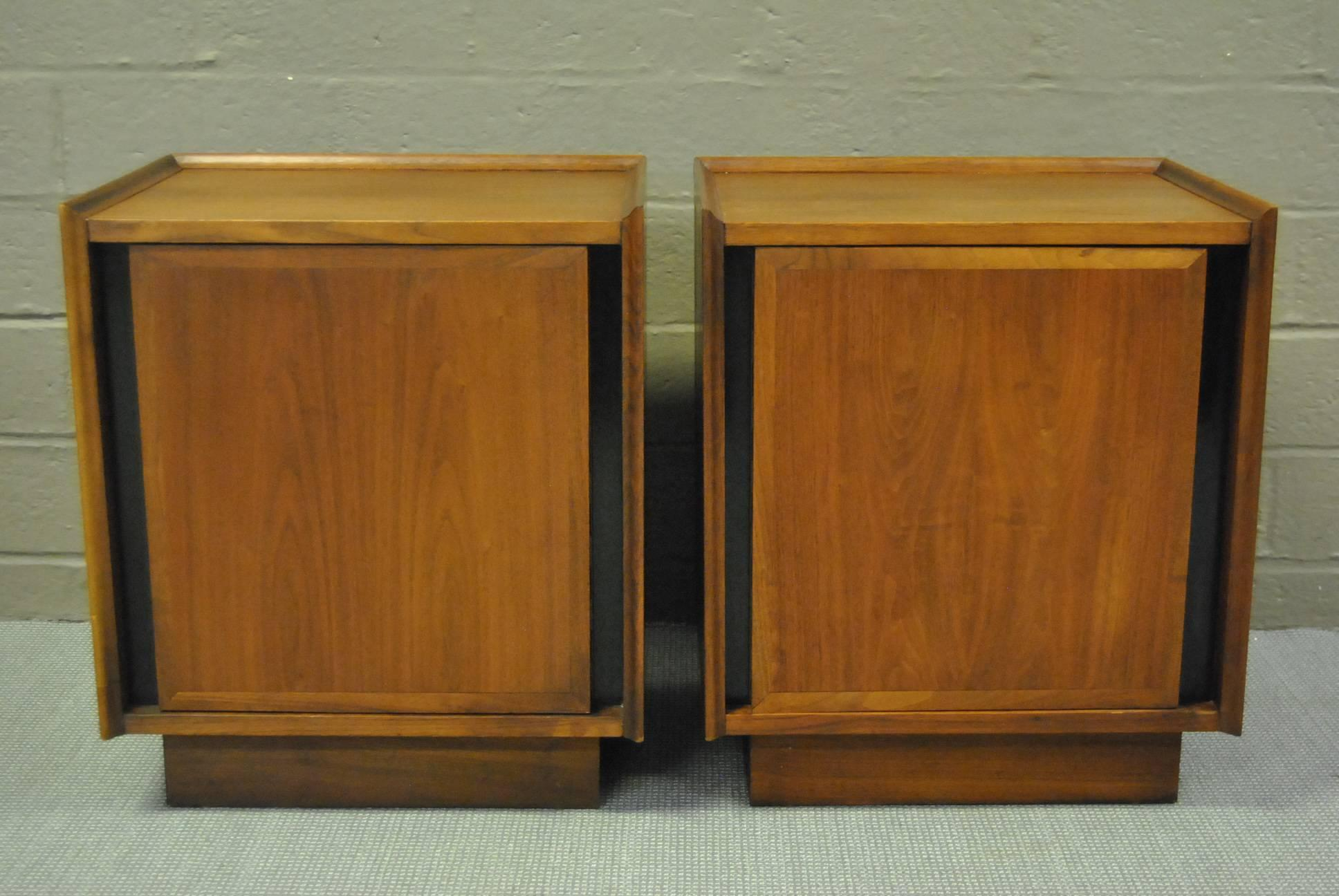 A Great Pair Of Walnut Nightstands Designed By Merton L. Gershun For  Dillingham As Part