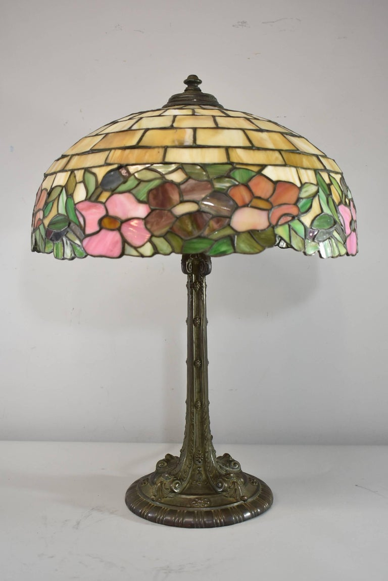 Peony Leaded Slag Glass Table Lamp 523 By Wilkinson For Sale At 1stdibs