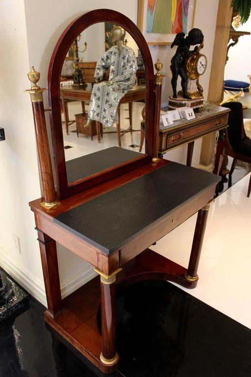 French Empire Ormolu-Mounted Mahogany Dressing Table with Arched Tilted Mirror For Sale 3