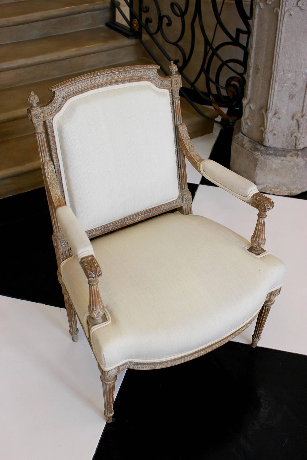 beautiful louis xvi style fauteuil for sale at 1stdibs. Black Bedroom Furniture Sets. Home Design Ideas