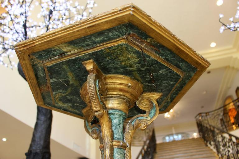 Pair of South European Faux Marble Painted and Parcel-Gilt Wooden Torchères For Sale 1