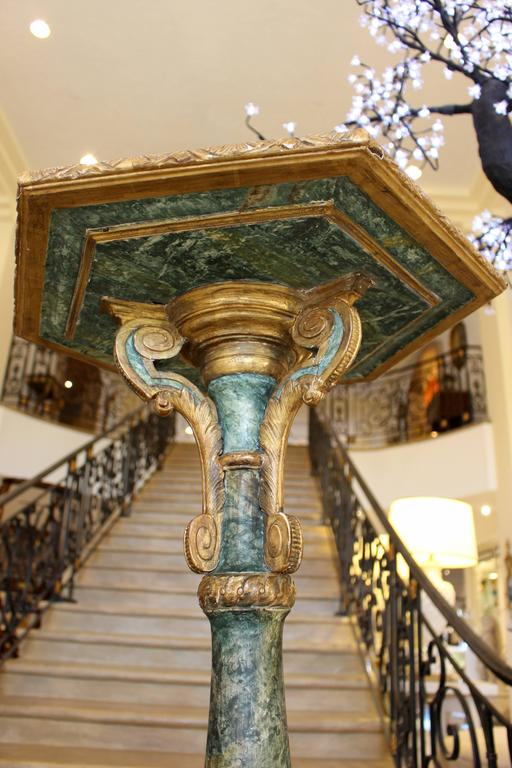 Pair of South European Faux Marble Painted and Parcel-Gilt Wooden Torchères For Sale 3