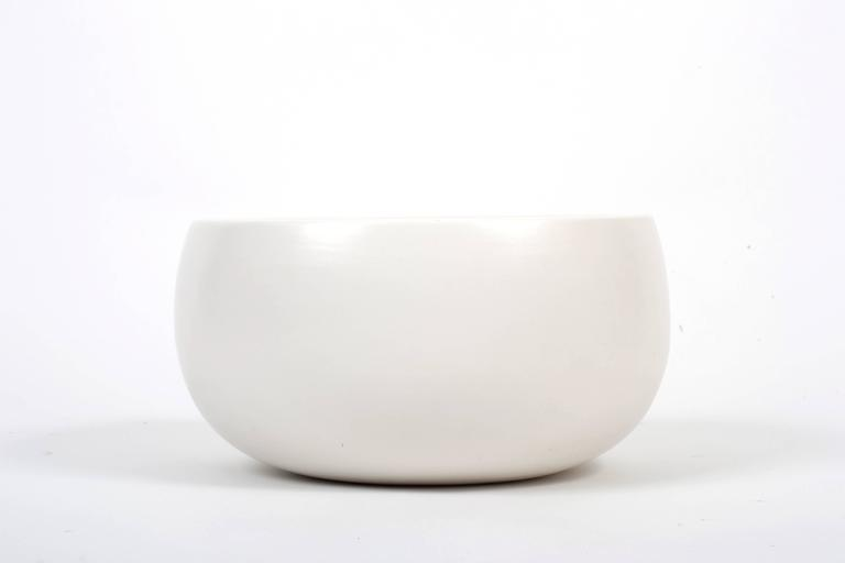 Mid-Century Modern Architectural Pottery White Glazed Attributed to John Follis For Sale