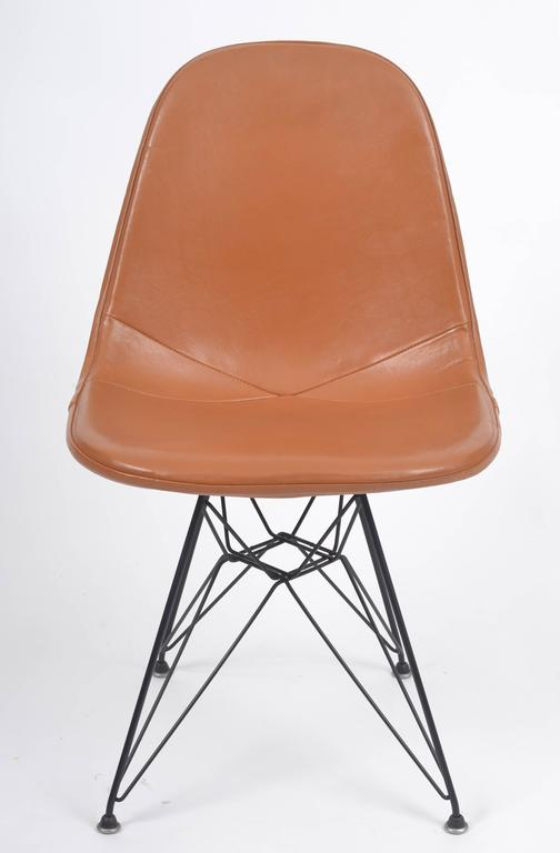 Charmant Mid Century Modern Vintage Eames DKR 1 Wire Chair With Leather Seat On  Eiffel