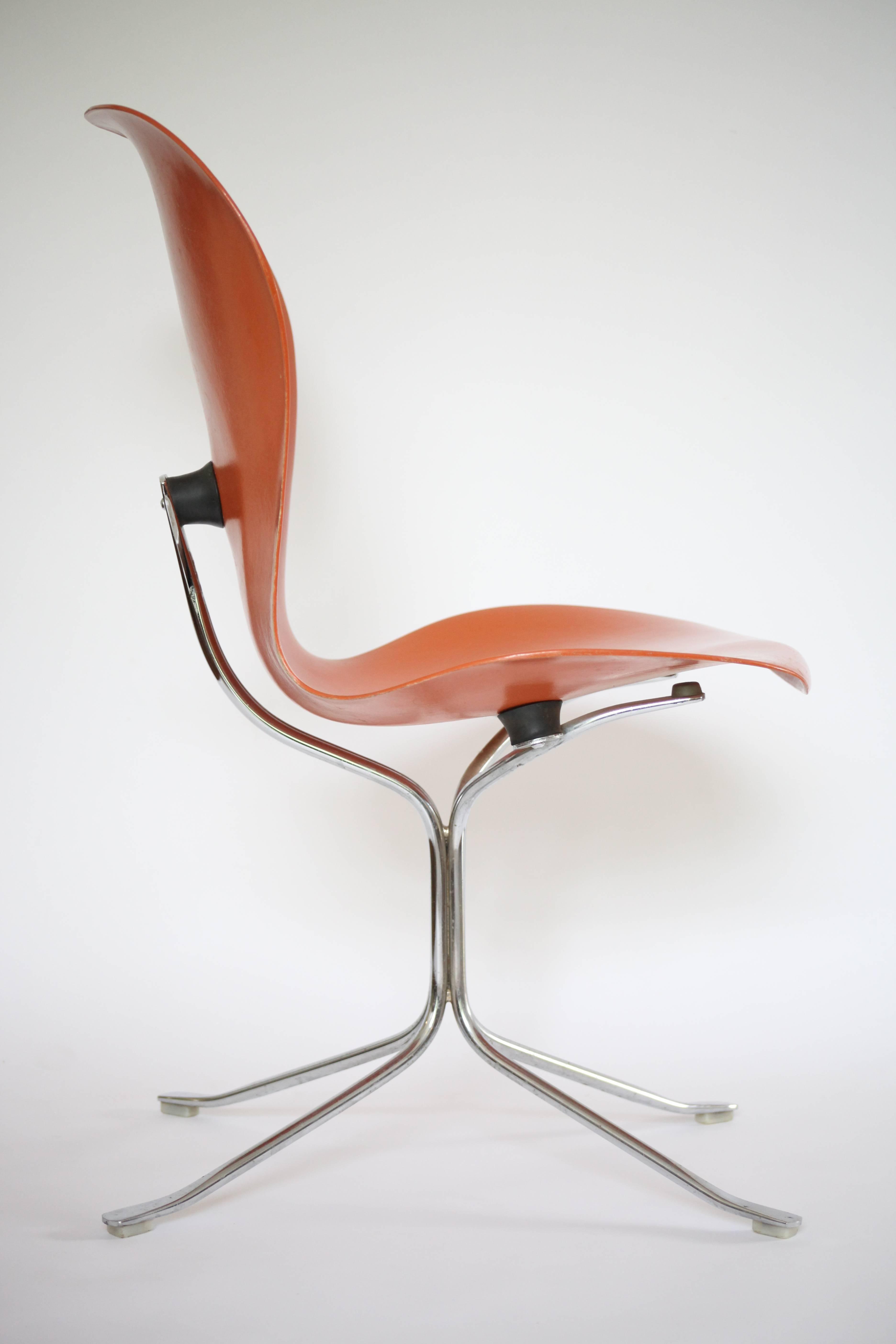 Mid Century Modern Gideon Kramer Ion Fiberglass Chairs For Sale