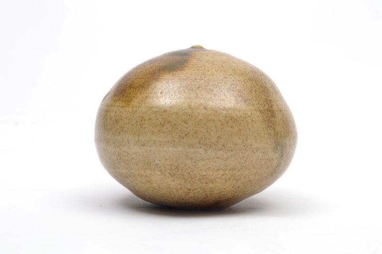 Mid-Century Modern Toshiko Takaezu Moon Pot For Sale