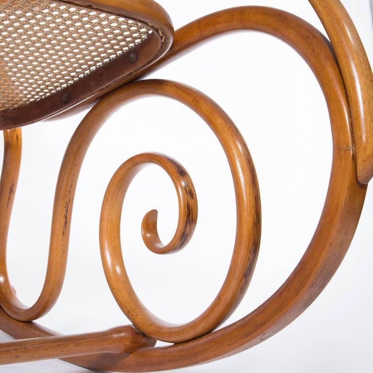 Jugendstil thonet bentwood rocking chair austria for Schaukelstuhl jugendstil