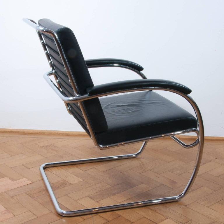 Thonet K147 Cantilever Lounge Chair Bauhaus Classic Designed, Anton Lorenz, 1930 In Excellent Condition For Sale In Vienna, AT