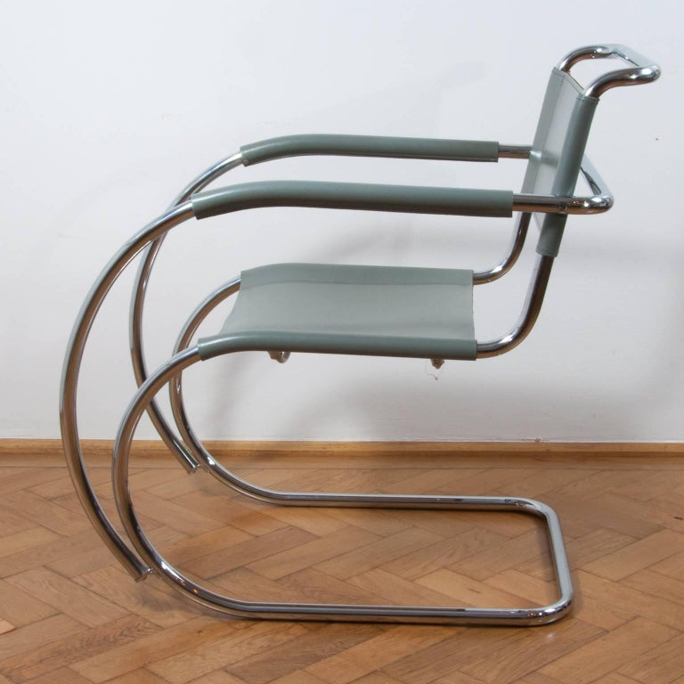 Thonet S533 Cantilever Chair, Armchair, Lounge Chair Designed by L. Mies vd Rohe For Sale 1