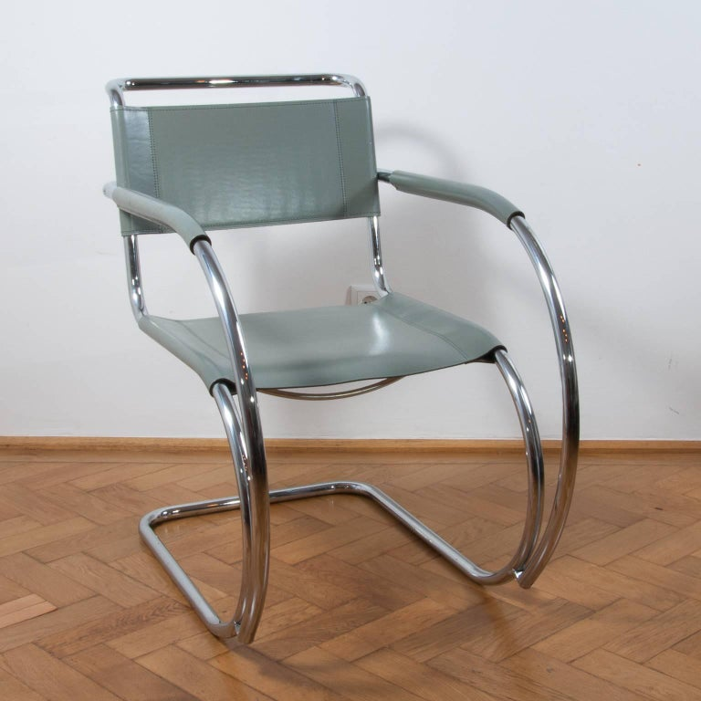 Bauhaus Thonet S533 Cantilever Chair, Armchair, Lounge Chair Designed by L. Mies vd Rohe For Sale