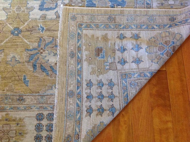 Pakistan Khotan Rug  In Good Condition For Sale In Los Angeles, CA