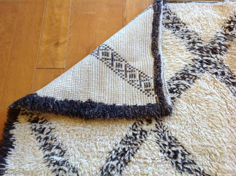 Wool Vintage Moroccan Rug For Sale