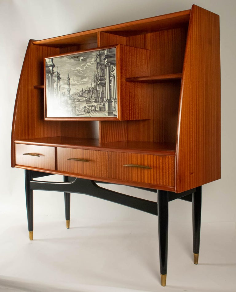 Nice Writing Desk Cabinet with Printed Architectural View on Door, Italy 1950s For Sale 4