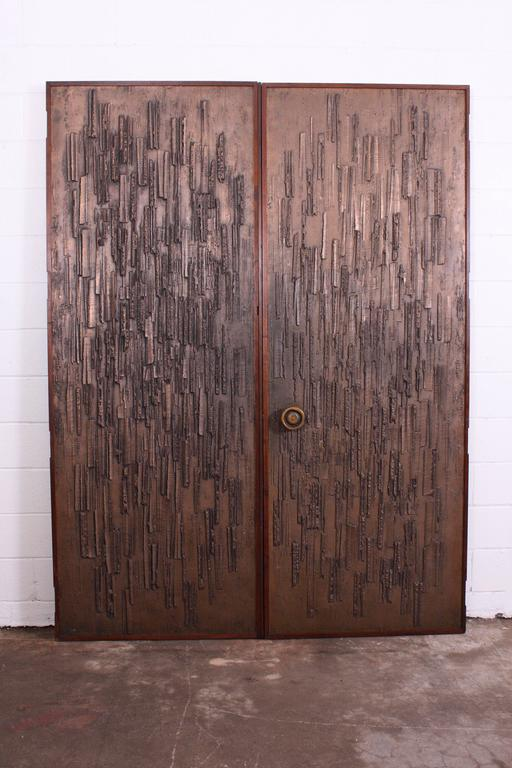 Double Sided Architectural Bronze Brutalist Doors by Forms and Surfaces In Good Condition For Sale In OKC, OK