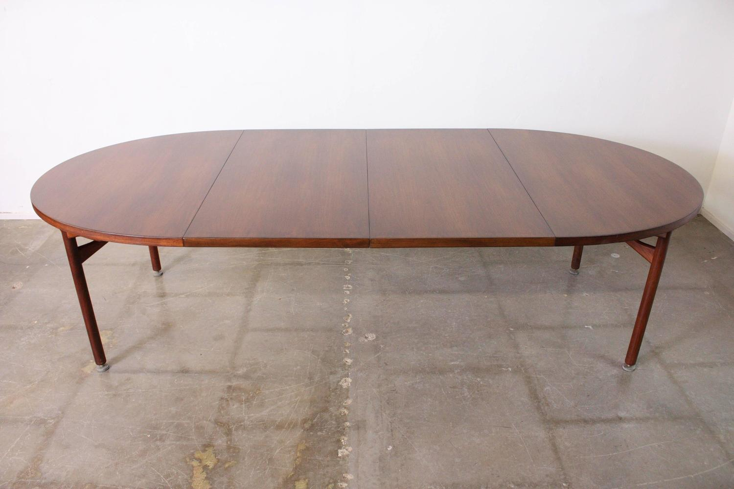 Jens Risom Walnut Expandable Dining Table For Sale at 1stdibs : IMG1445z from www.1stdibs.com size 1500 x 1000 jpeg 102kB