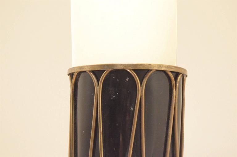 Mid-Century Italian Design, Brass and Lacquered Wood Tripod Cone Floor Lamp For Sale 1