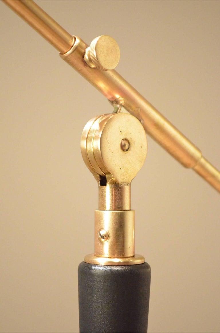 Mid-Century Scandinavian E.S Adjustable Brass Arm and Black Metal Floor Lamp For Sale 1