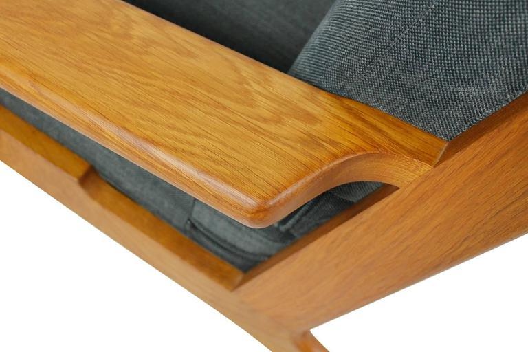 Fabric Hans J. Wegner Oak Sofa Mod. Ge 290 for Getama, 1960s Danish Modern Design For Sale