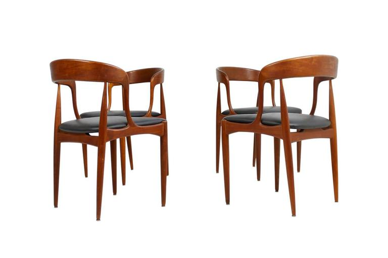 Dining Chairs By Johannes Andersen For Beautiful Set Dark Brown Real Leather Upholstery Very Good Teak Base Great Design