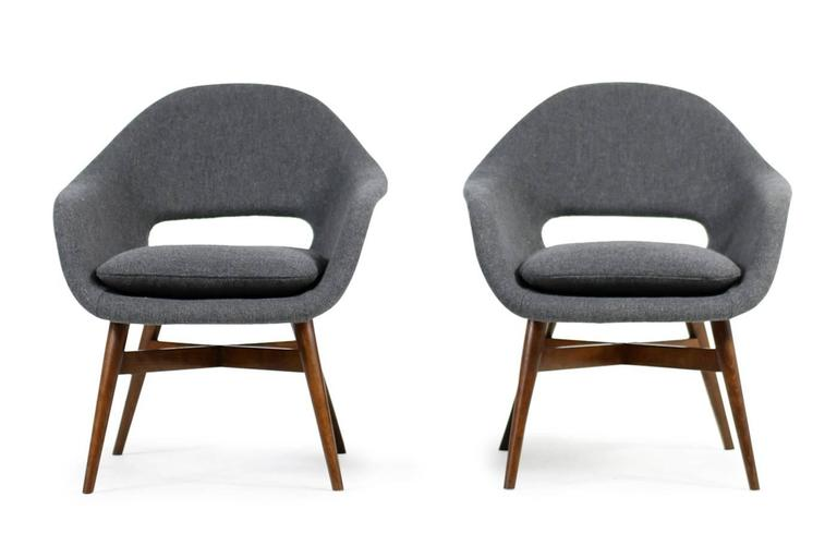 Mid-Century Modern Beautiful Pair of 1960s Miroslav Navratil Lounge Chairs, New Upholstery For Sale