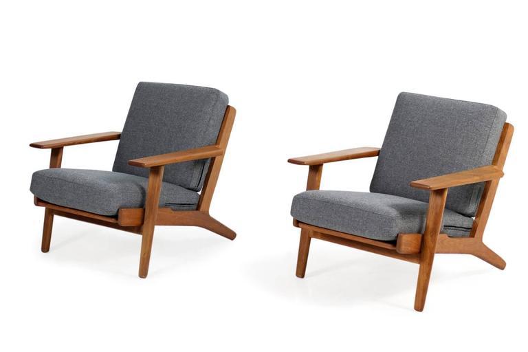 fantastic pair of hans j wegner low lounge easy chairs. Black Bedroom Furniture Sets. Home Design Ideas