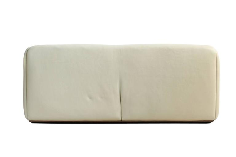 Swiss 1970s De Sede DS 47 Buffalo Leather Lounge Sofa with Extendable Seat Ecru No. 1 For Sale