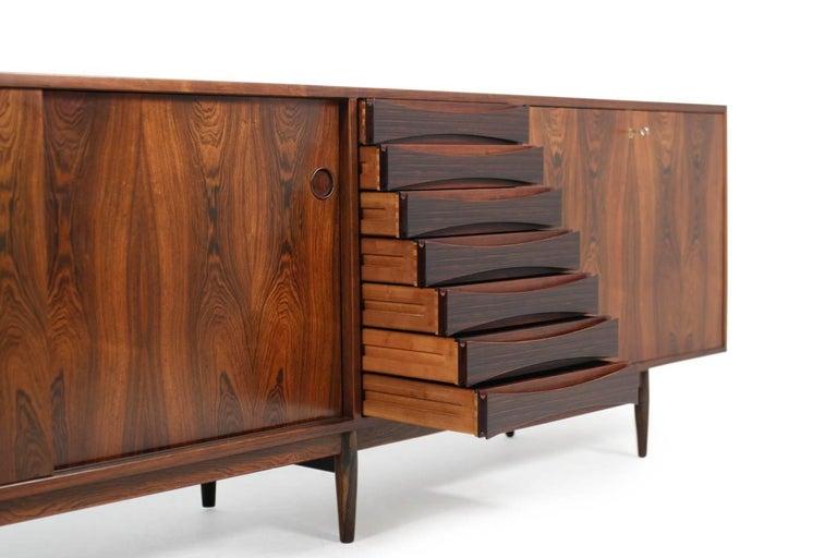 Wundervolles 1960er Arne Vodder Rosenholz Sideboard Modell 29a für Sibast Dänisch Modern 3