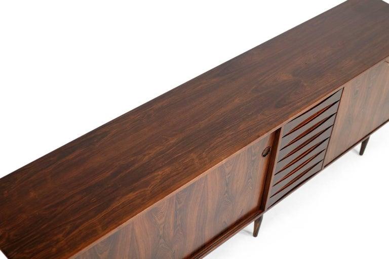 Wundervolles 1960er Arne Vodder Rosenholz Sideboard Modell 29a für Sibast Dänisch Modern 8